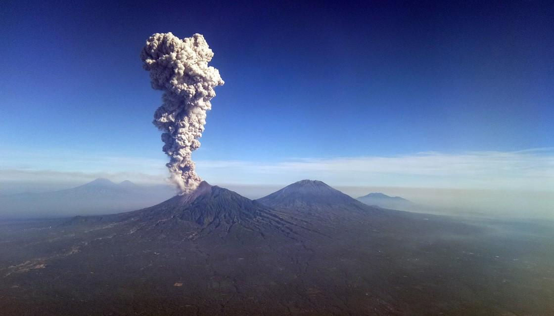 merapi-eruption-1