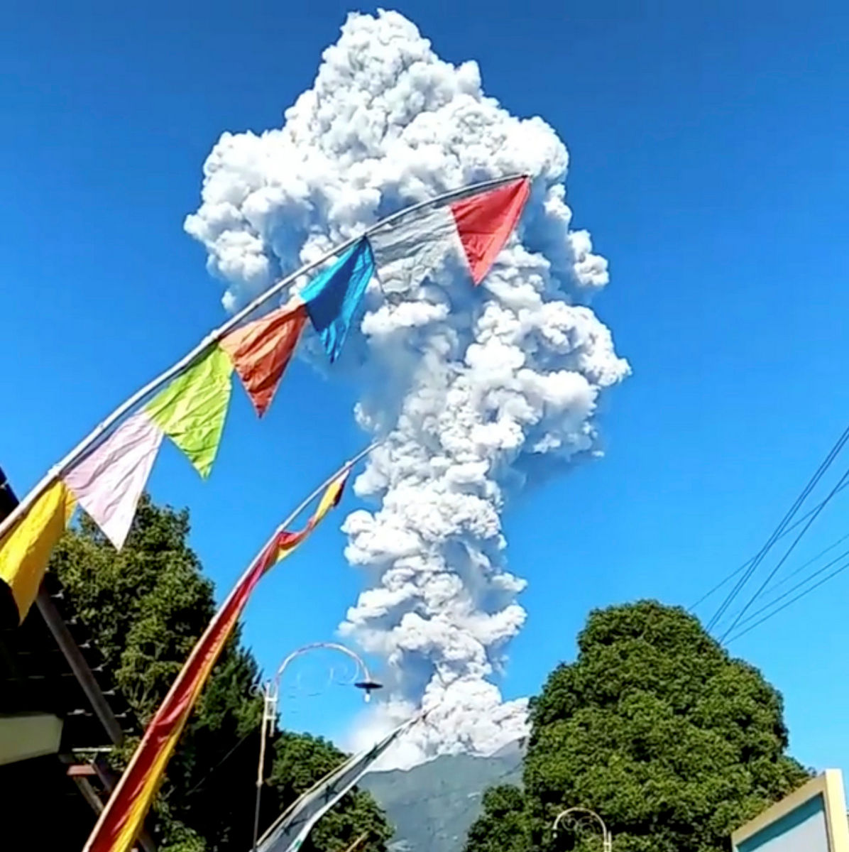 merapi-eruption-2