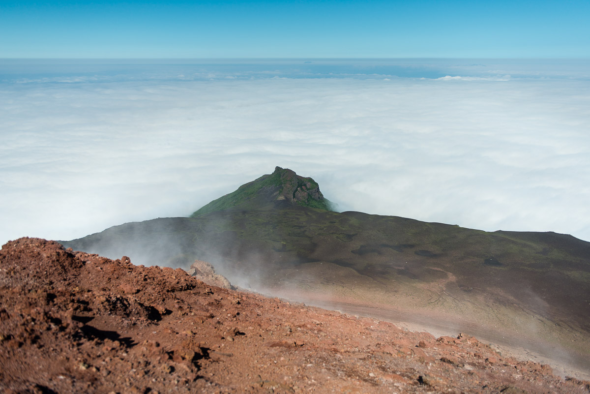 kuril-islands-tyatya-volcano-kunashir-14