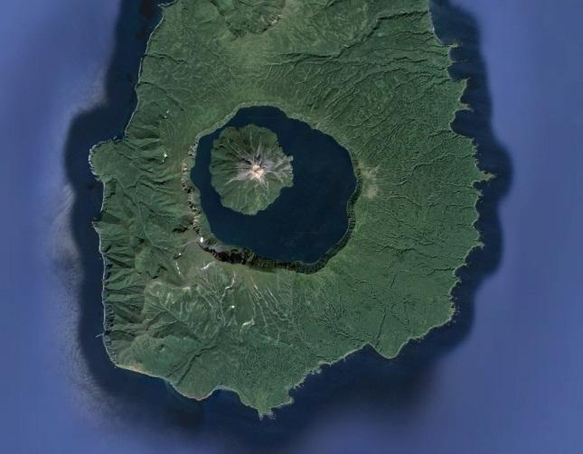 Вулкан Креницына летом