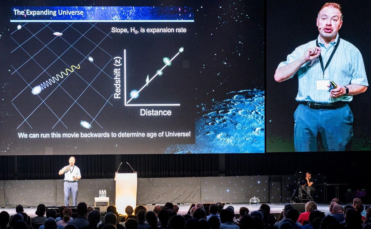 Starmus-2019: стереофотки им.Брайана Мэя и байки нобелевских лауреатов. DSC01131