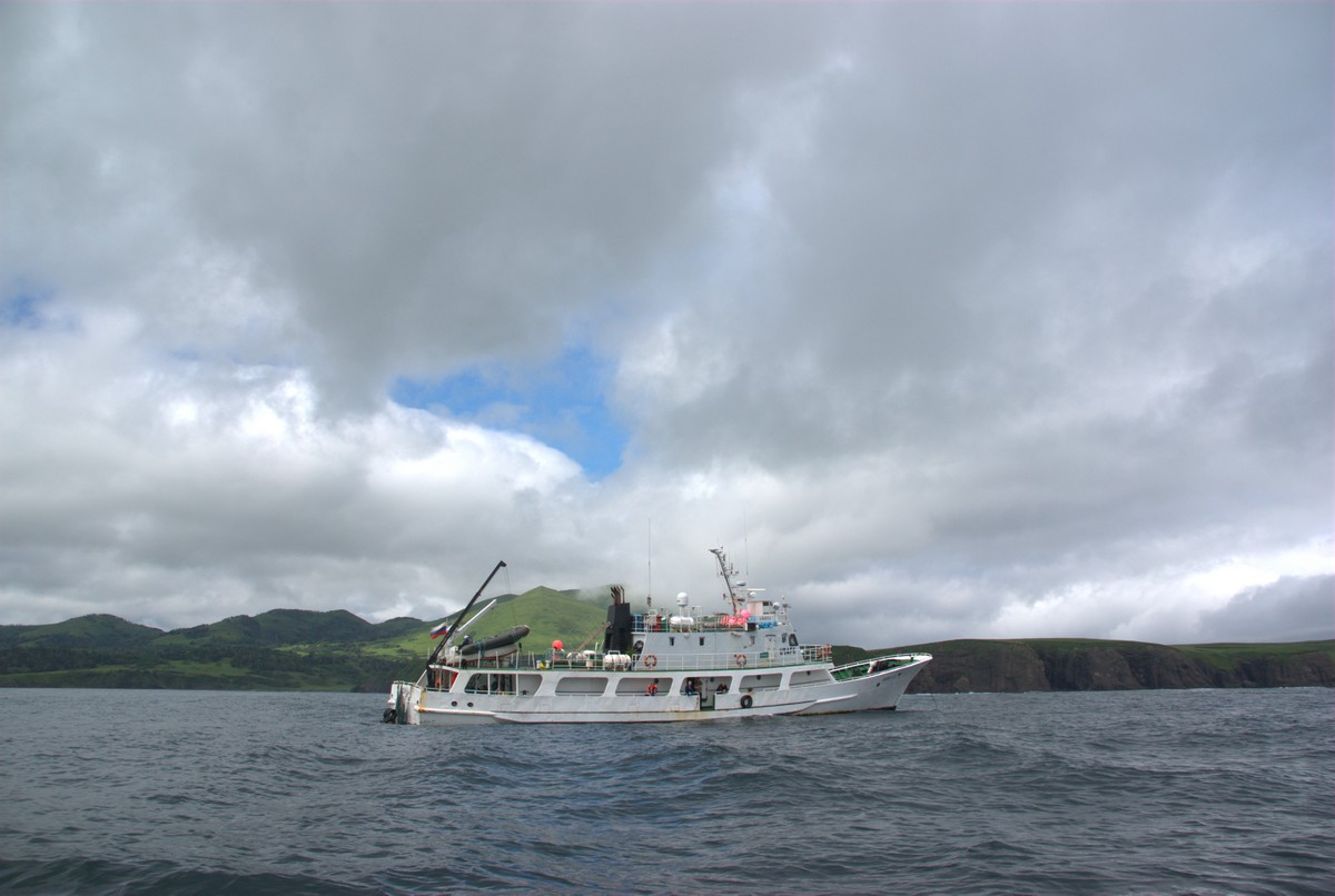kuril-islands-boat-26