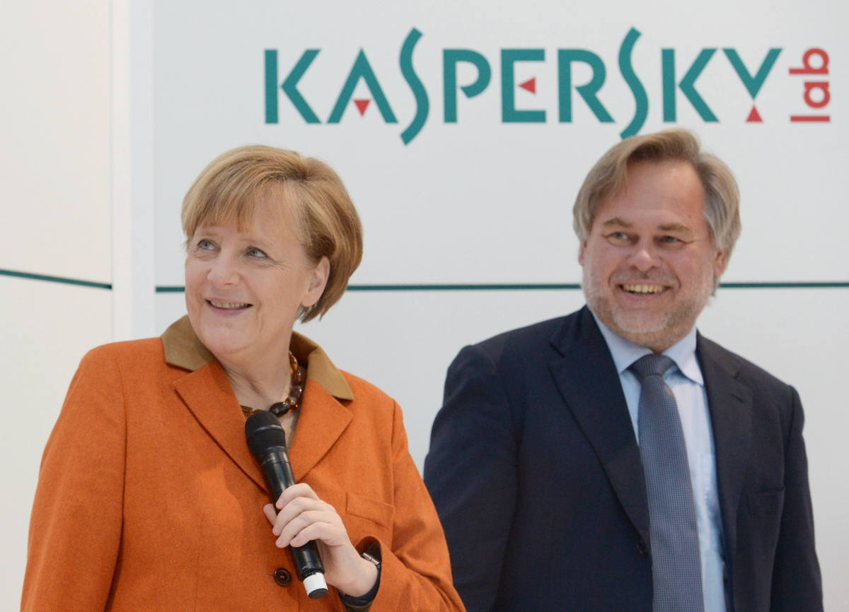 zz-Merkel_Messe1