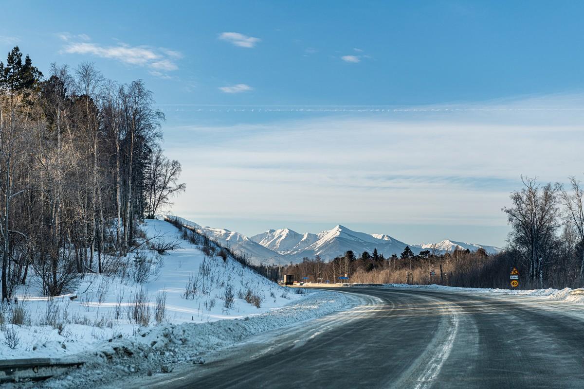 Байкал - половина пути от Магадана до Москвы. 330-5331