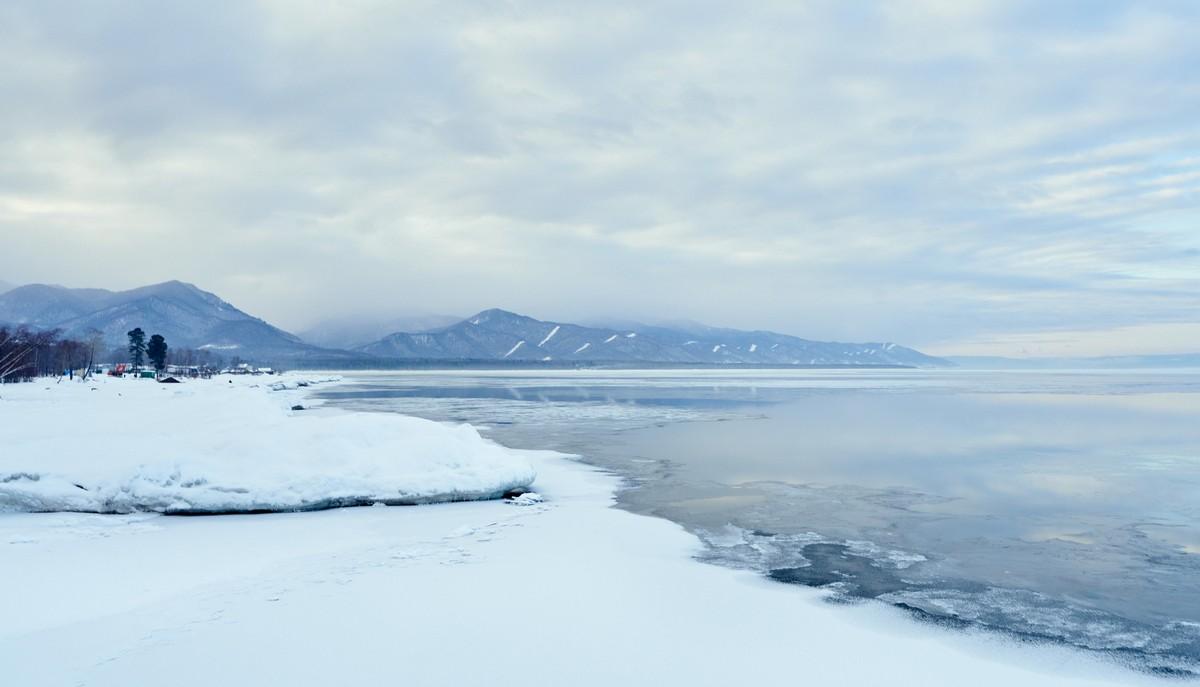 Байкал - половина пути от Магадана до Москвы. 335-8877