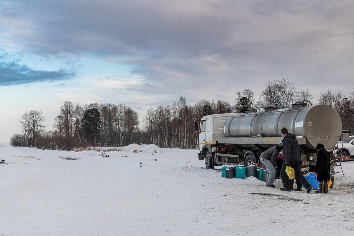 Байкал - половина пути от Магадана до Москвы. 336-5457