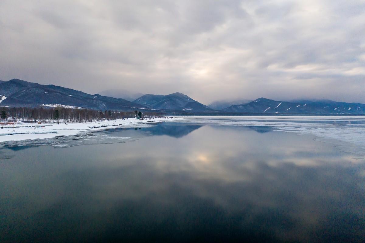 Байкал - половина пути от Магадана до Москвы. 337-0637