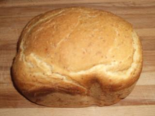 хлеб из манки, первый опыт ))