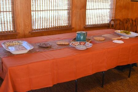 serving-table-prep-11-26-14