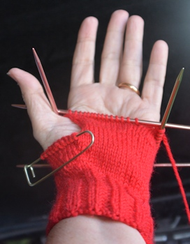 Fingerless-mitt-unfinished-2-13-16