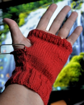 Fingerless-mitt-almost1