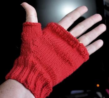 Fingerless-mitt-thumb1