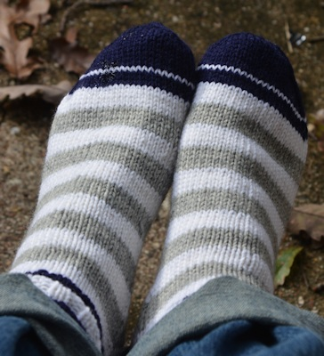 Sock-navy-gray-white-11-11