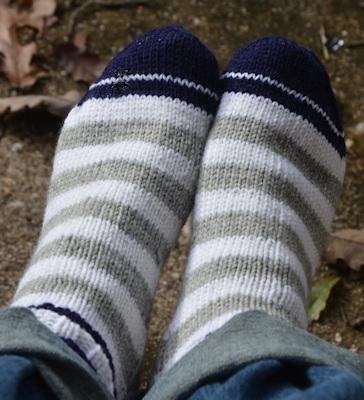 Sock-navy-gray-white-11-11