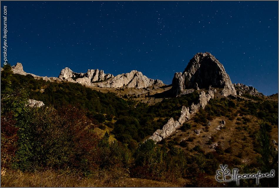 Крым 2017. Скалы при свете луны