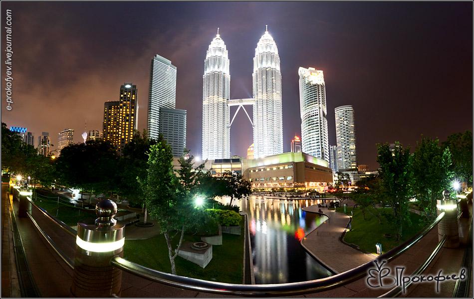 Куала-Лумпур. 2012. Башни-близнецы