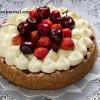 Тарт с лавандовым кремом и ягодами