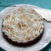 Шоколадный тарт с лимонным курдом и меренгой