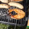 Рыба и домашние колбаски на гриле