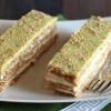 Миндальные пирожные с чаем Матча