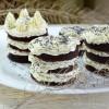 Свекольно-шоколадные пирожные с нежным творожным кремом