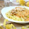 Тальятелле с морепродуктами и цукини в сливочно-томатном соусе