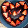 Шоколадный пирог с малиной