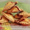 Мини-пирожки с клюквой и яблоком