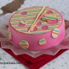 Торт с ревенем и клубникой