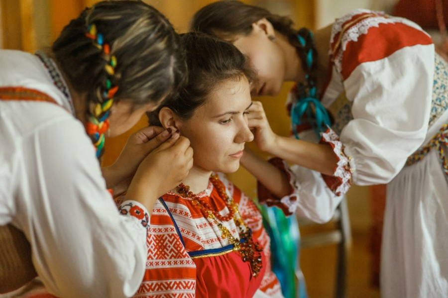 смотреть как русской бабе трогают матку