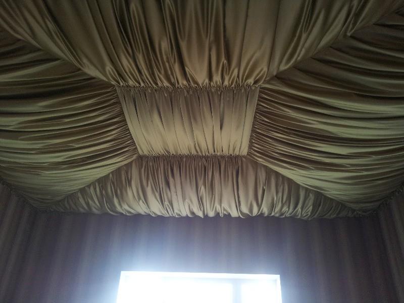 Стены из ткани фото