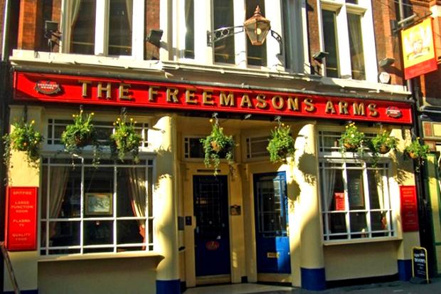 Таверна «Вольные каменщики» (Freemason's Tavern) на Грейт-Куин-стрит в Лондоне. Фото - https://www.zerozero.pt/text.php?id=5269
