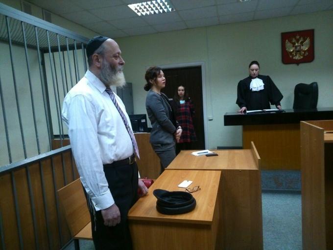 Семен Тыкман на заседании в зале суда. Фото - https://uralpolit.ru/assets/911113a0/images/33/2016/02/02364c891b2b8f5c19709cb318baae15.jpg/680.jpg