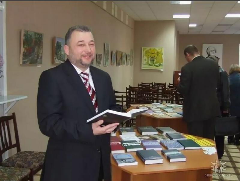 Сергей Ефроимович Эрлих - доктор исторических наук, издатель, публицист, официальный представитель Международной федерации русскоязычных писателей в Молдове.