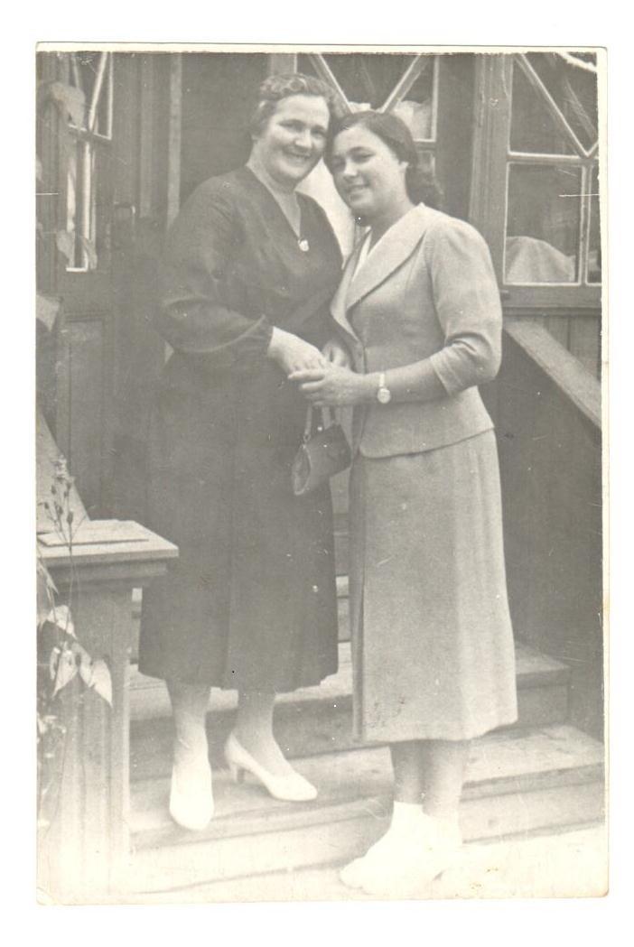 Нина Владимировна_Вешняки_1940 (2)