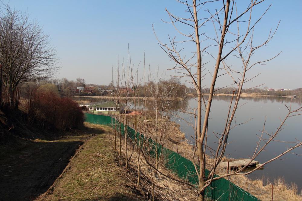 05-2014-Ограда у реки4