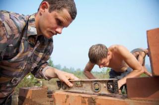 Обустройство лагеря - Строительство печи - освоение непростого мастерства ровной и аккуратной печной кирпичной кладки
