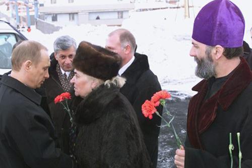 Vladimir_Putin_22_March_2002-10
