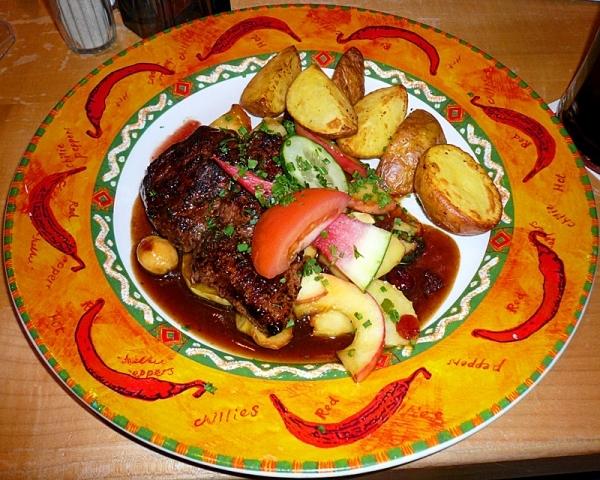 Салат из огурцов помидор перца лука на зиму варить