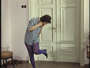 Сексуальная пленница в спальнике