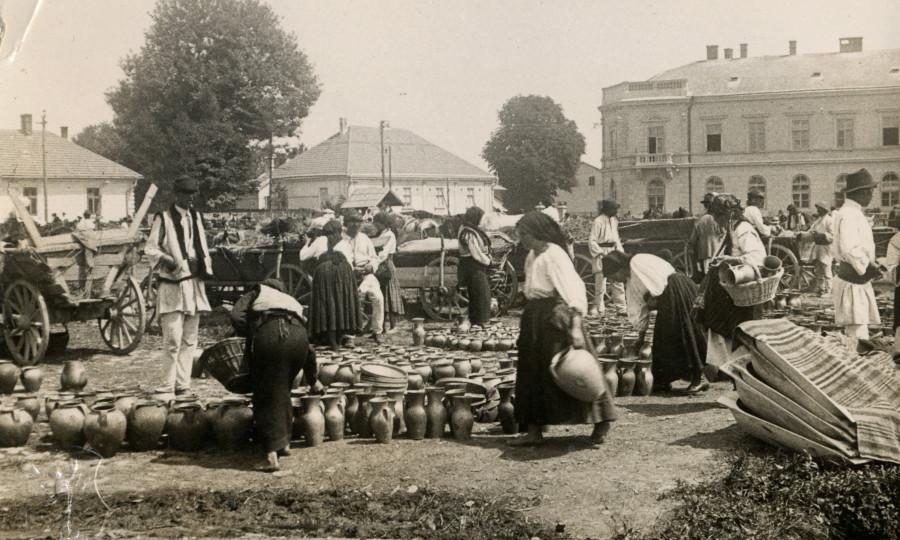 Radautz Market Scenery