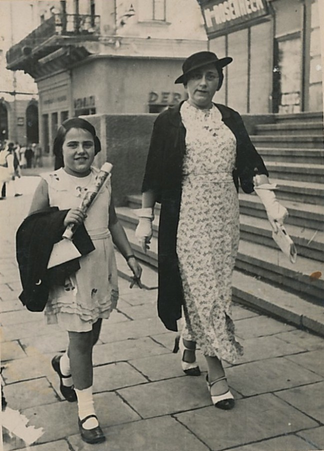 Rivka & Sidonie Engler