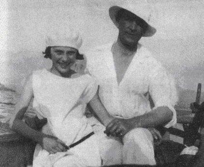 Феликс_Юсупов_в_дочерью_Ириной_на_Корсике._1925_год.