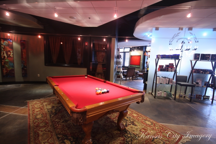 the-gents-place-leawood-pool-table