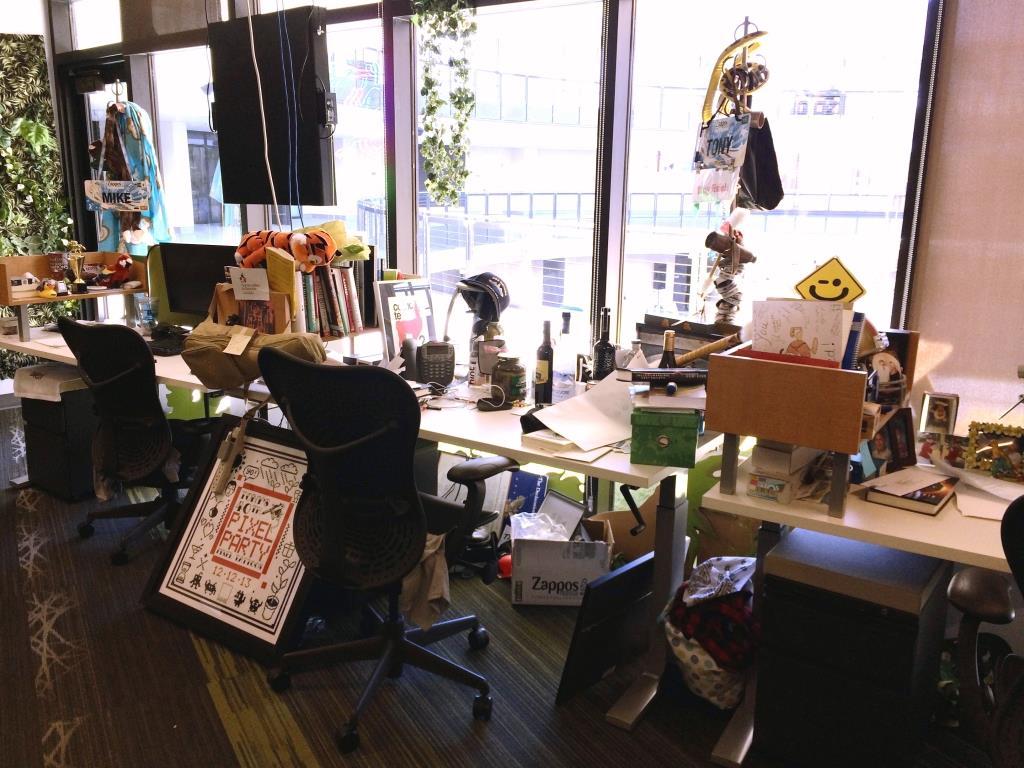 Tonys-Desk