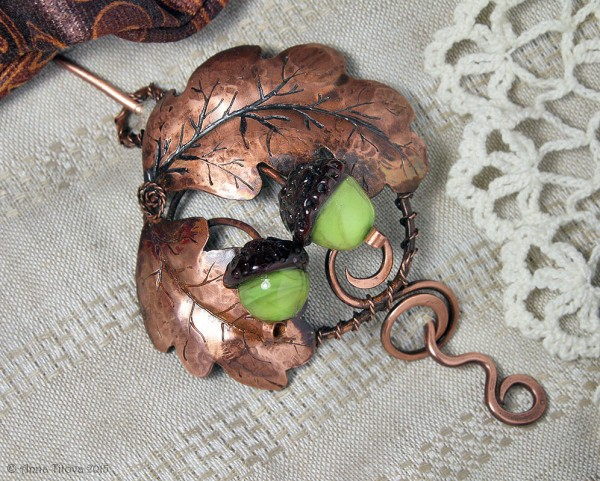 oak_brooch_01