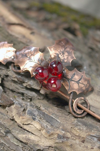 holly_smal_brooch_4_4
