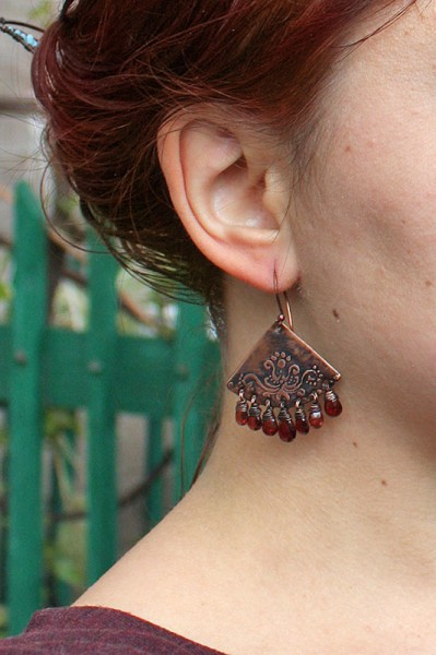 garnet_earrings_5