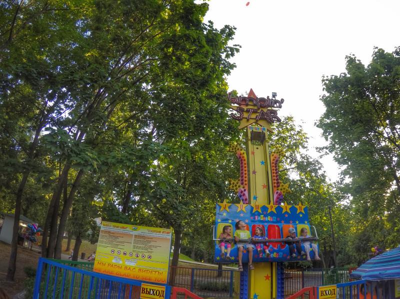Русский за денгами попу дала парке фото 607-253
