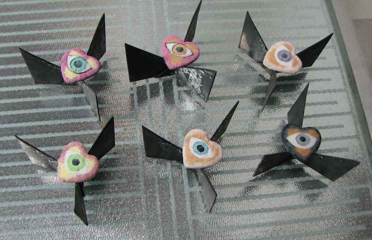 heart-eyes-12-31-16-powdered-glass